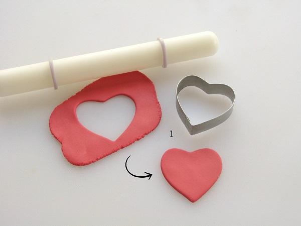 Heartbeat fondant tutorial step 1