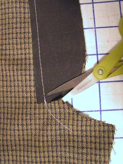 clip to stitching at base
