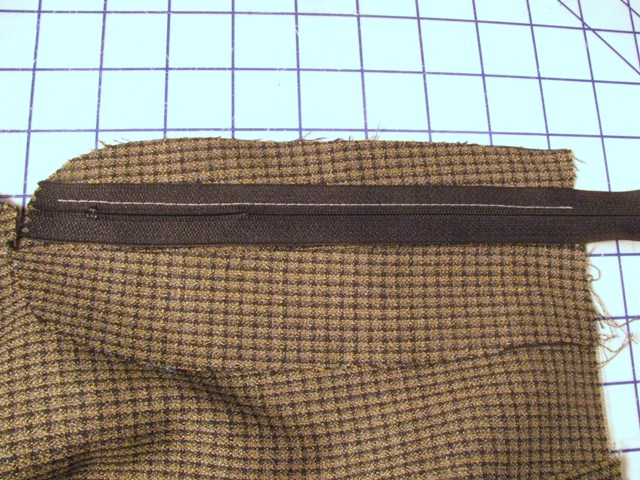 stitch zipper to flap