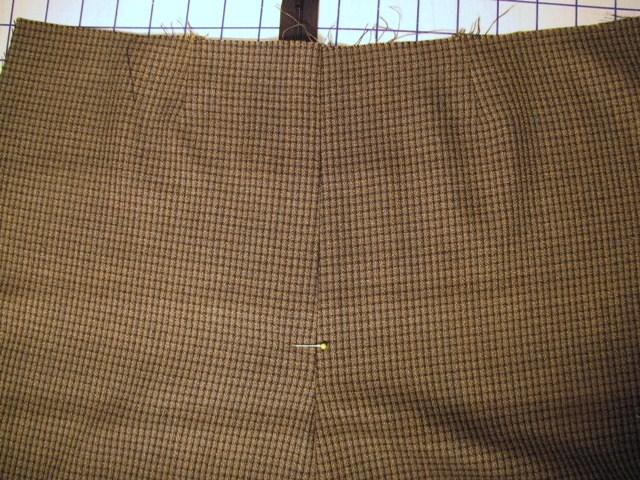 open pant front, mark zipper base