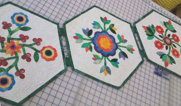 Rose of Sharon Hexagon Table Runner.
