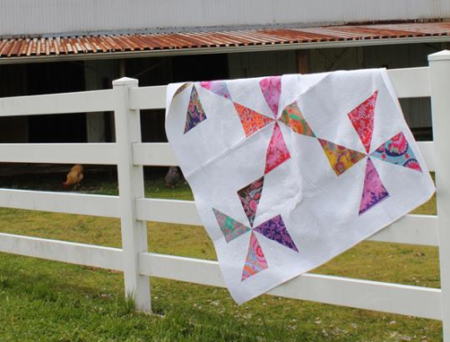 Pinwheel Spinning Around quilt