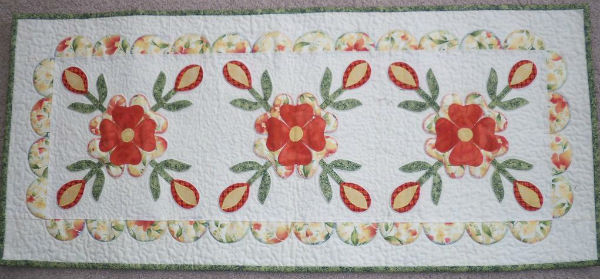 Rose of Sharon table runner pattern.