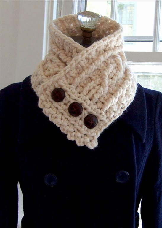 Fisherman's crochet cowl