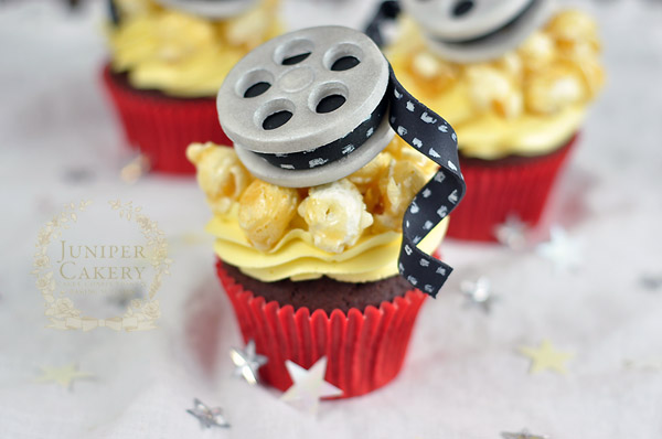 Film reel cupcake tutorial by juniper Cakery