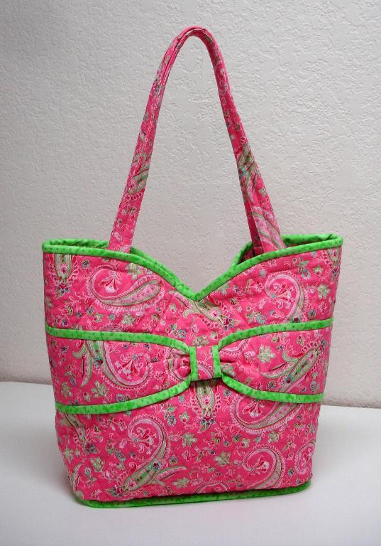 Put a Bow On It Quilted Bag