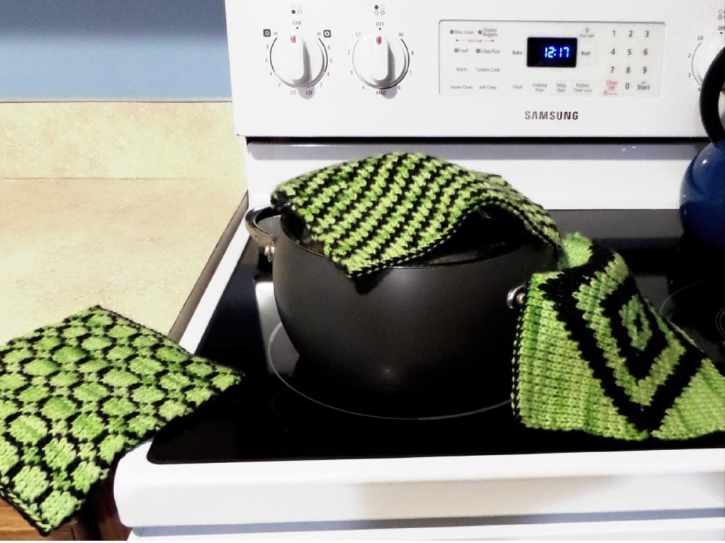 Double Knit Potholders knitting pattern