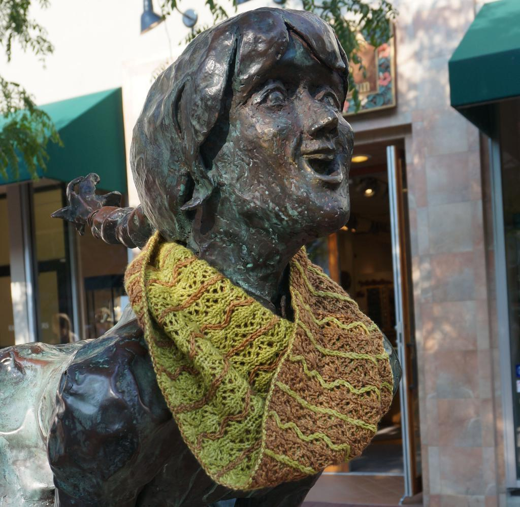 Spring Willow Cowl knitting pattern