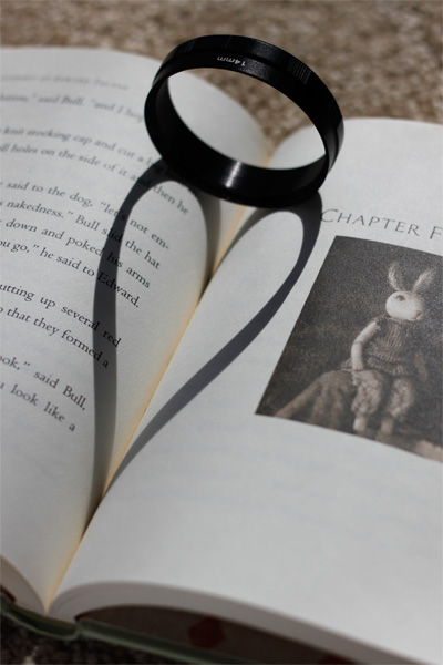 How to take photos of heart-shaped shadows in books