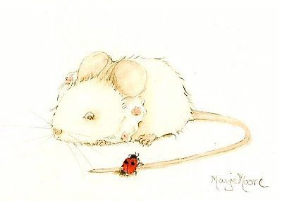 mouse with lace collar