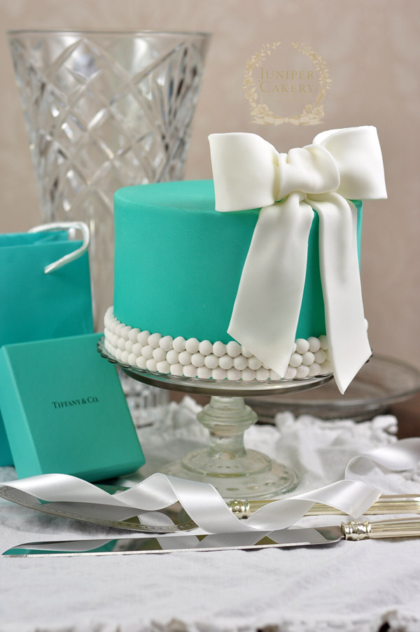 Tiffany and Co inspired cake tutorial
