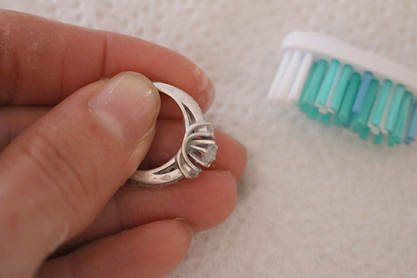 DIY Jewelry Cleaner - Clean rings with a toothbrush