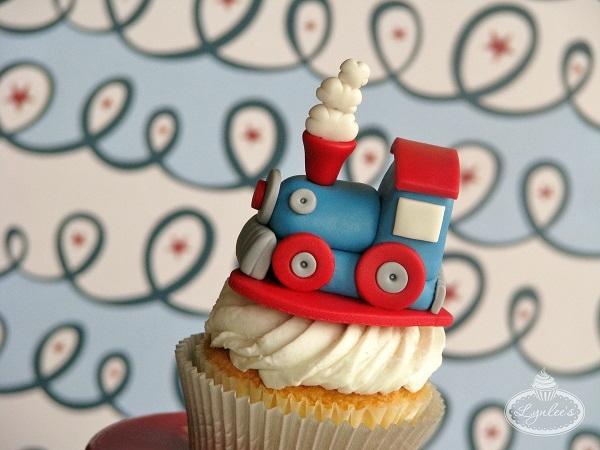 Train Cupcake Topper Tutorial
