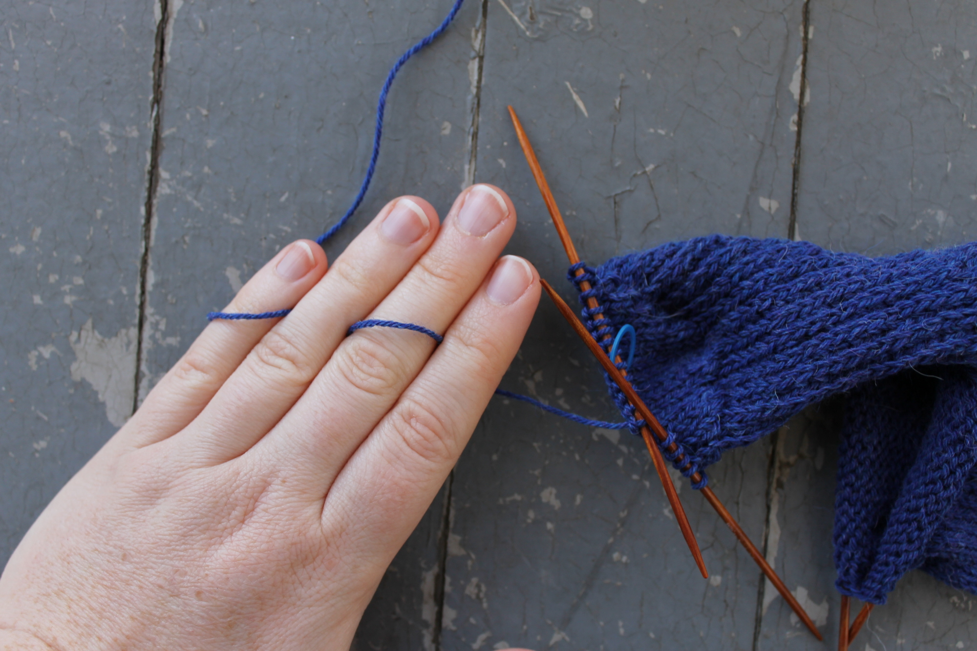 Using your fingers for even yarn tension
