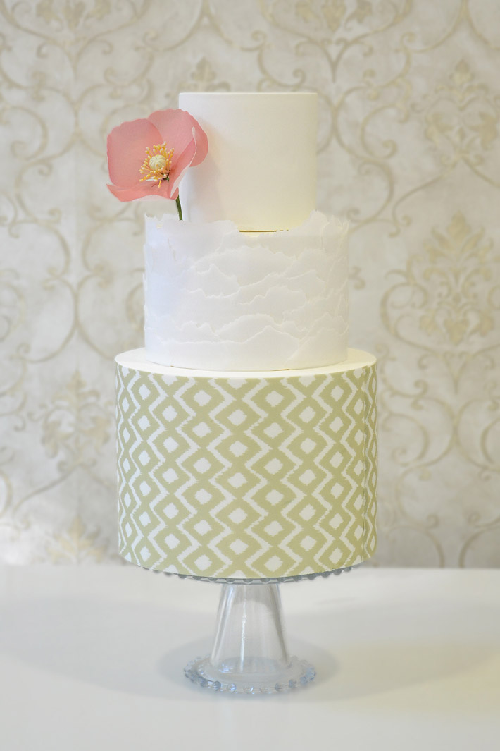 Boho Poppy Cake by Craftsy member StravaganzaCake