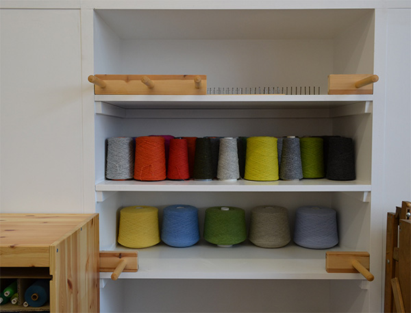 warping pegs on shelves