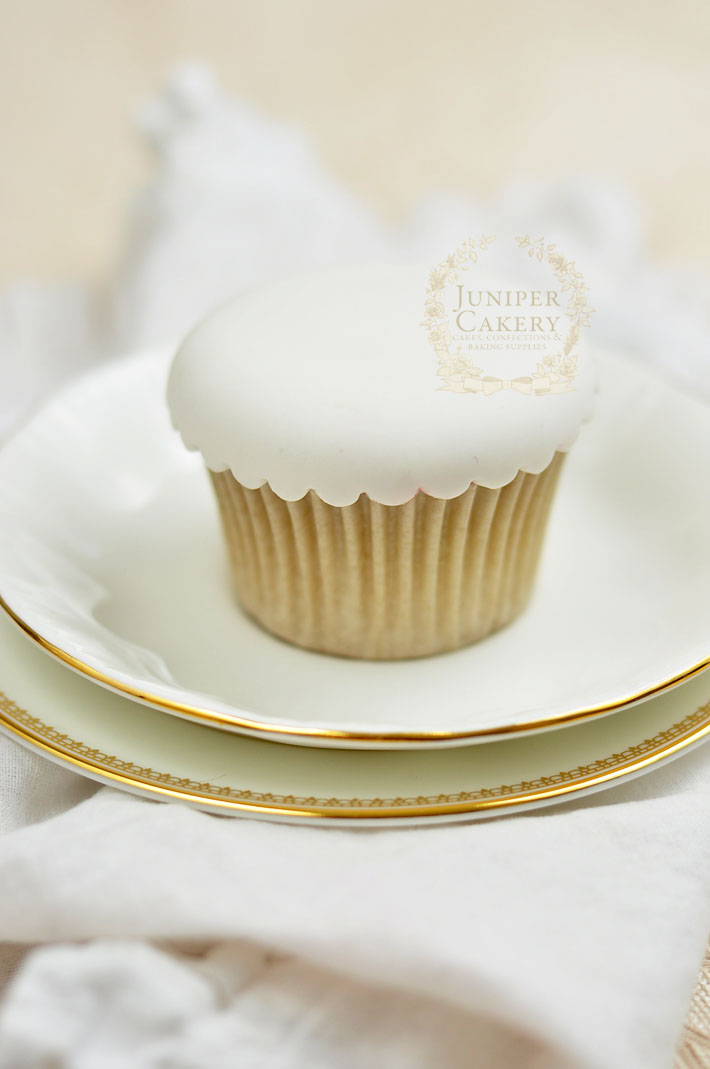 Make glam couture cupcakes with this step-by-step guide