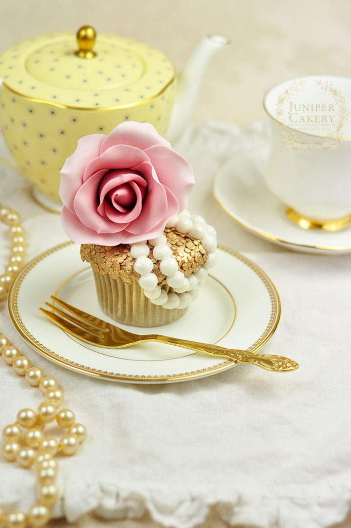 How to create a fashion inspired couture cupcake
