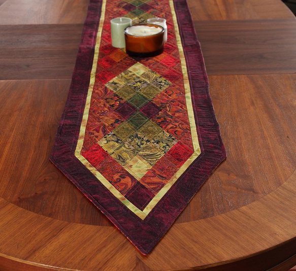Diamond Life Table Runner