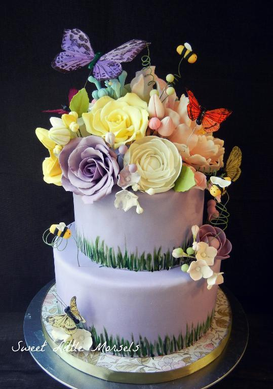 Garden themed cake by Bluprint member SweetSteph