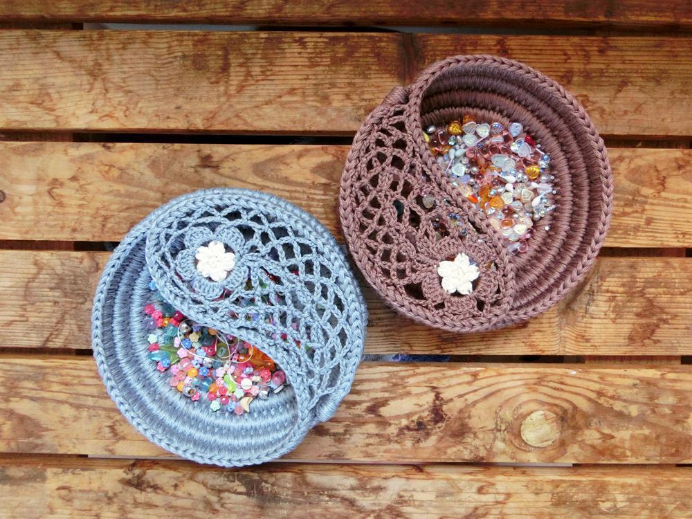 Yin Yang Jewelry Dish crochet pattern
