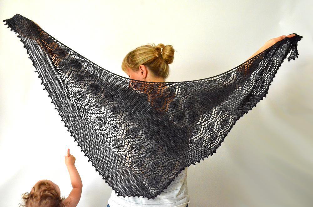 Seiklus Shawlette knitting pattern