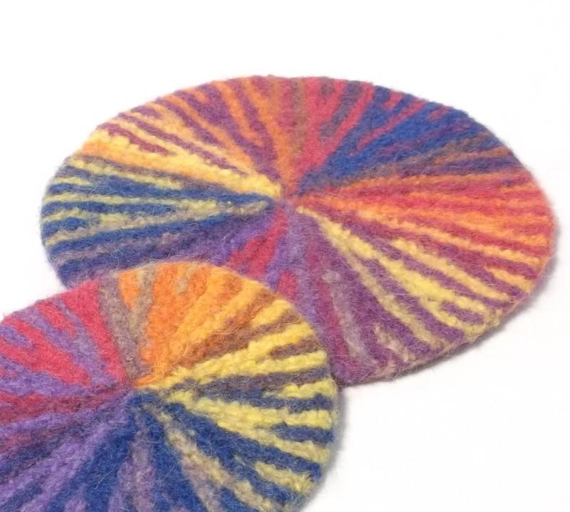 Starburst Felt Table Mat knitting pattern
