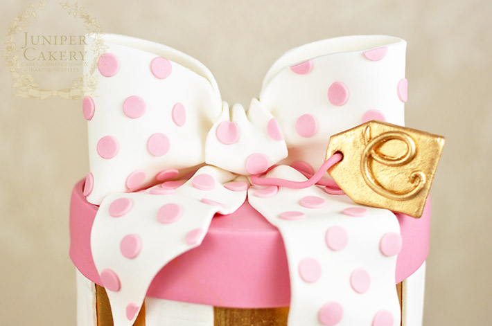 How to make a vintage hat box cake by Juniper Cakery