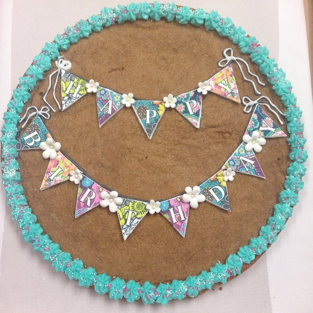 Cookie cake with banner