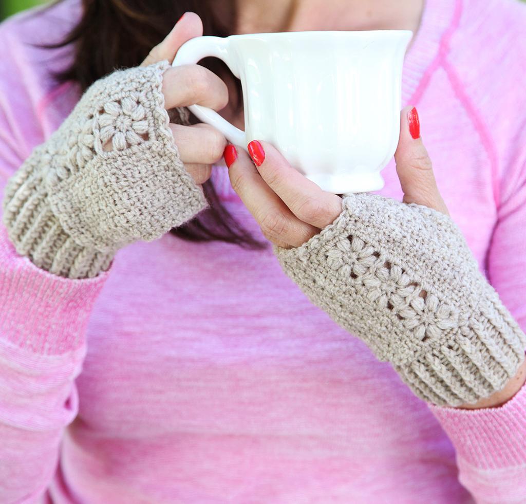 Flora Mitts Crochet Kit