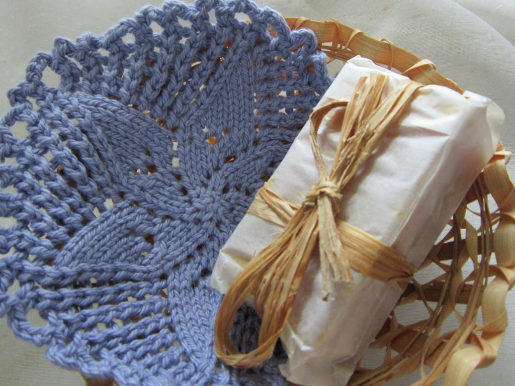 Pinwheel Flower Knitted Facecloth