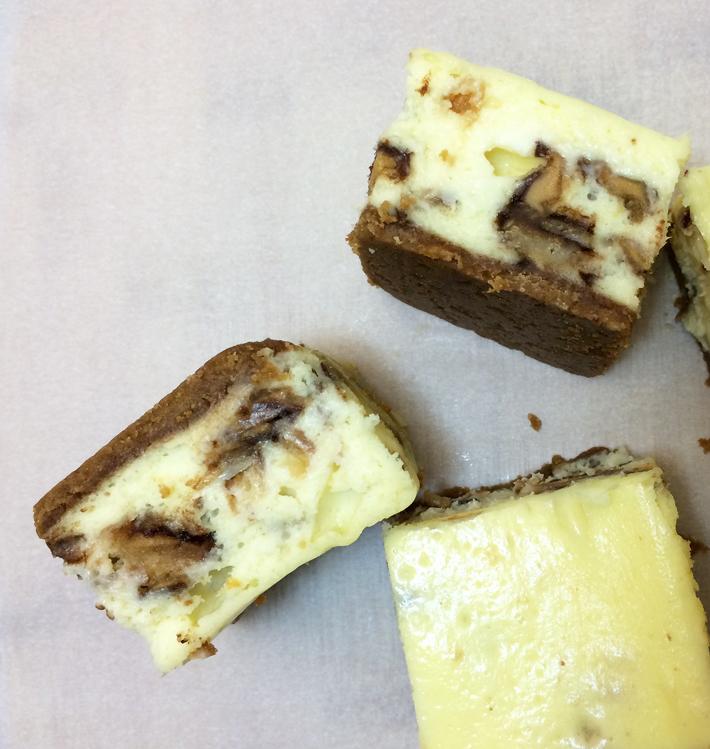 Tagalongs Cheesecake Bars crust