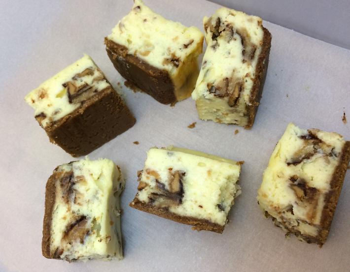 Tagalongs Cheesecake Bars