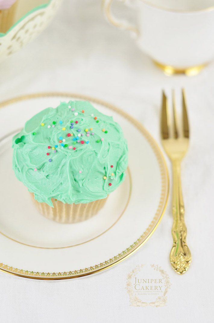 Messy buttercream cupcakes make for quick and fun party delights