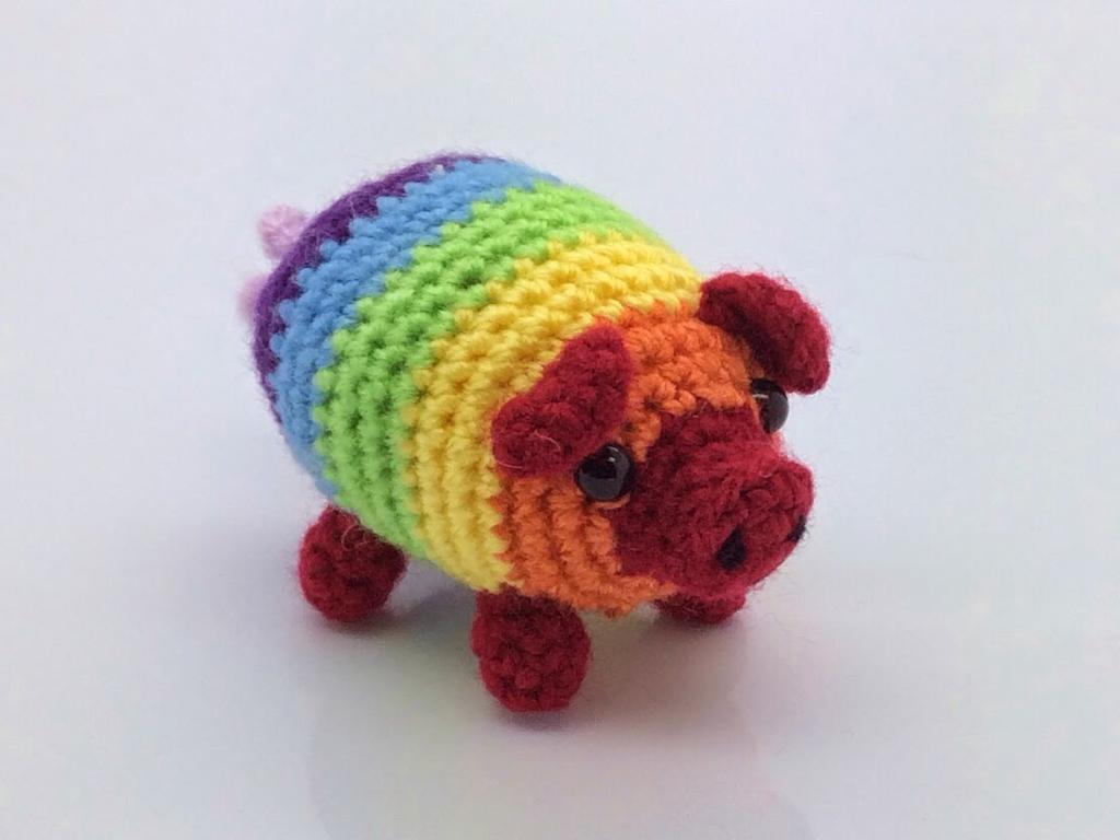 crochet rainbow pig free pattern