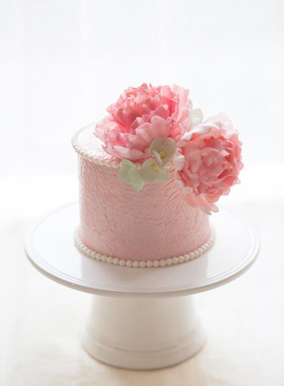 Pink peony cake by Bluprint member Cyovero