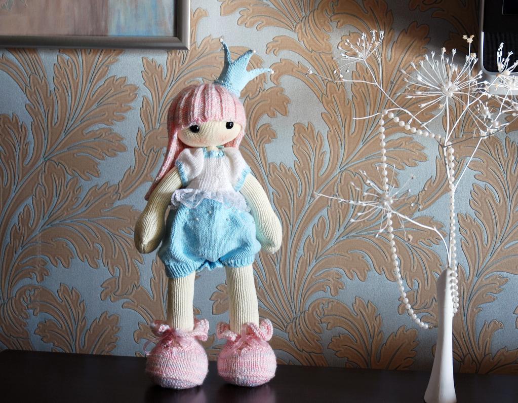 Shy Princess the Doll knitting pattern