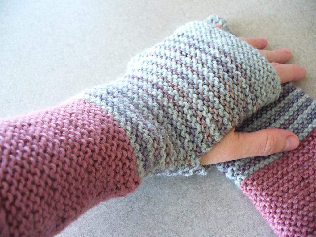 Day Mitts knitting pattern