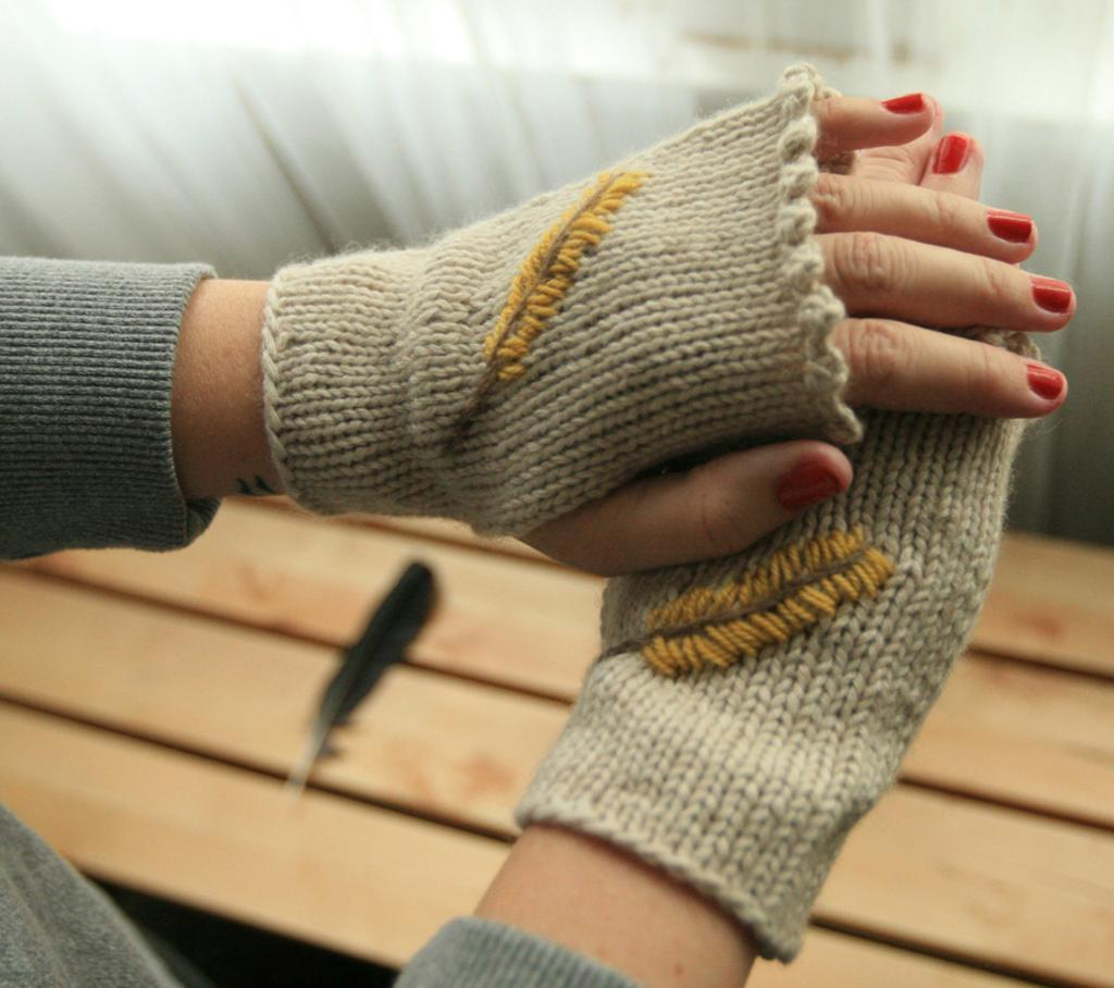 Flock Together Mitts knitting pattern