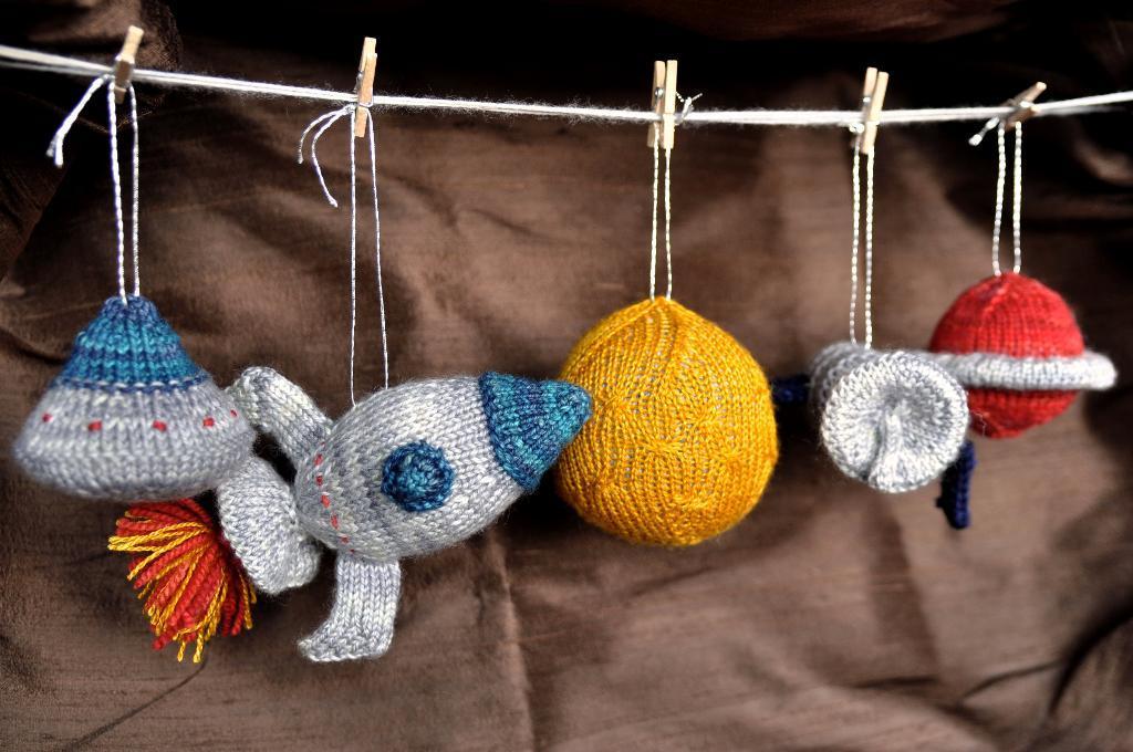 Orbital Ornaments knitting pattern