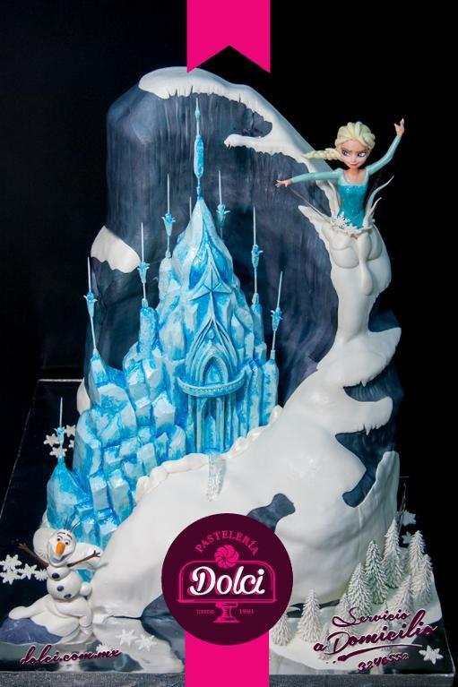 Frozen cake by Bluprint member Dolci Pasteleria