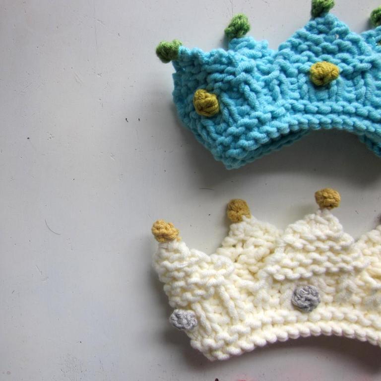Royal Baby Crown knitting pattern