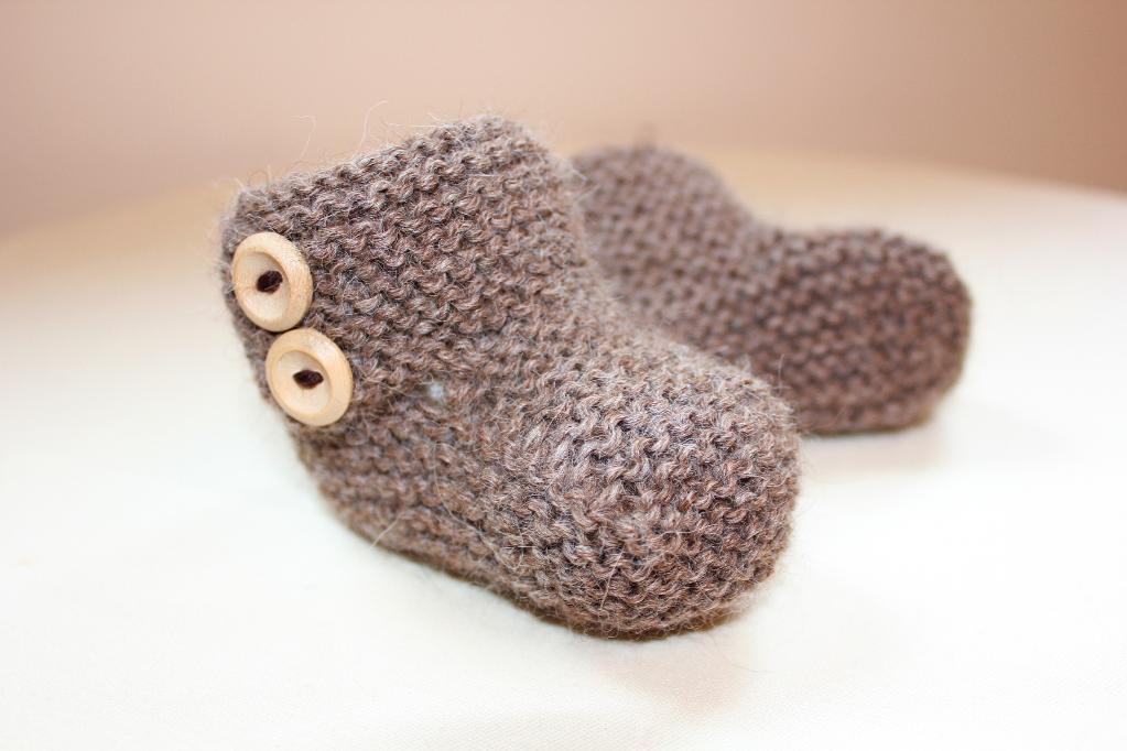 Snuggies Buttoned Boots knitting pattern