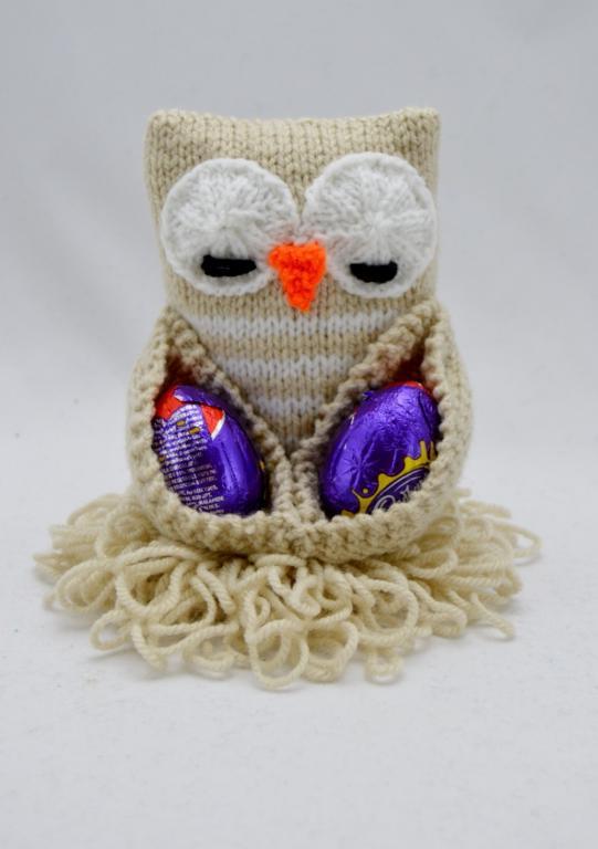 Chocolate Egg Owl Easter knitting pattern