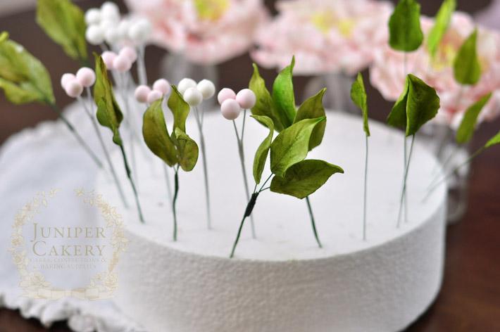 Arranging a floral cake topper tutorial