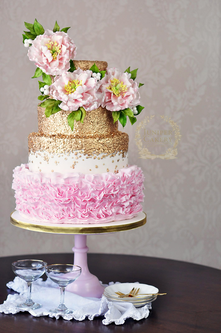 How to arrange sugar flowers for a lovely floral cake topper