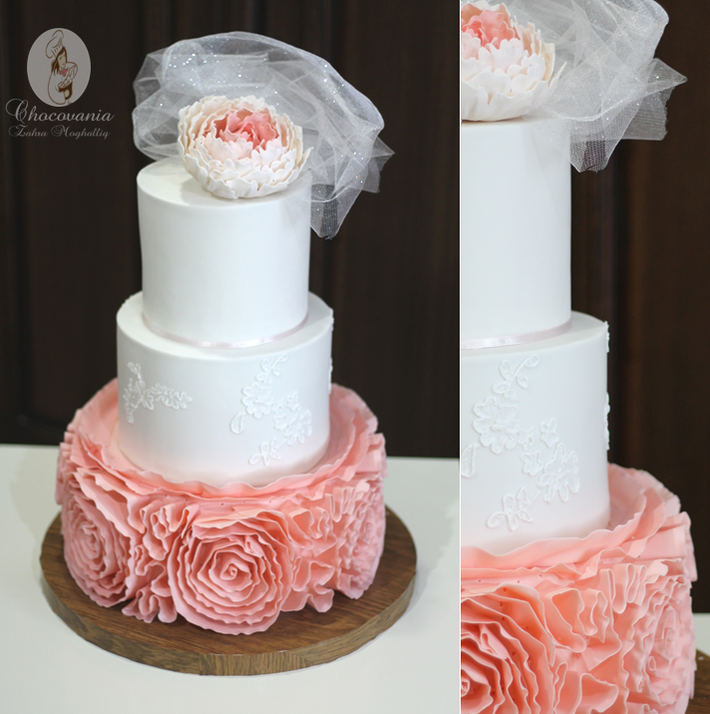 Elegant peony cake by Craftsy member Zahra Ali