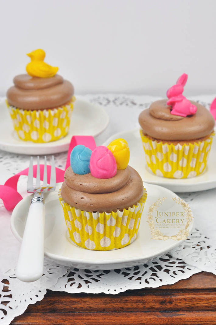 Make quick and fun cupcake decorations with candy melts, a freezer and a silicone mold