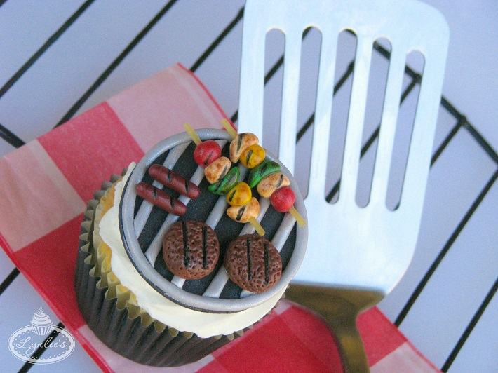 Barbecue fondant cupcake tutorial