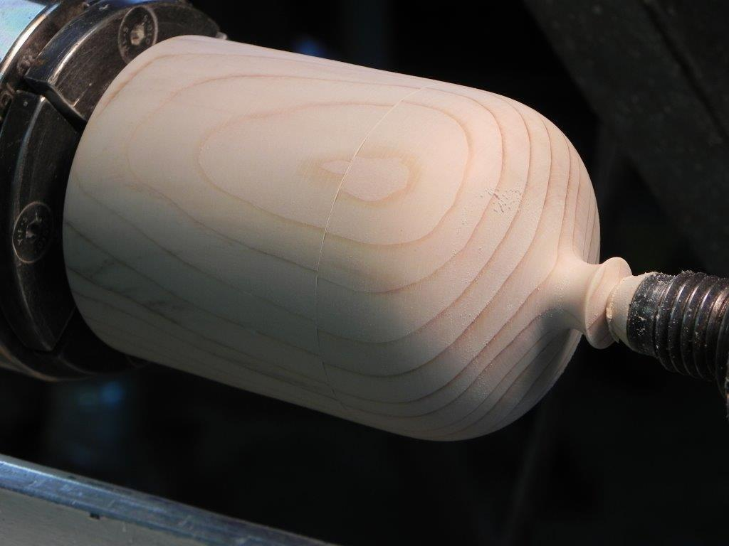 Making a lidded box on a lathe